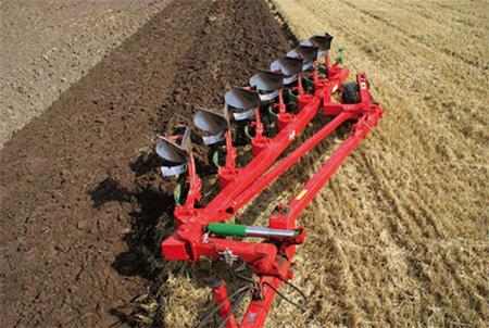 Плуг оборотный и другая техника для сельского хозяйства – нюансы приобретения в кредит в компаниях «Белрусагротехника» и ГК «Лида-регион»